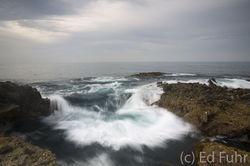 wave; surge;