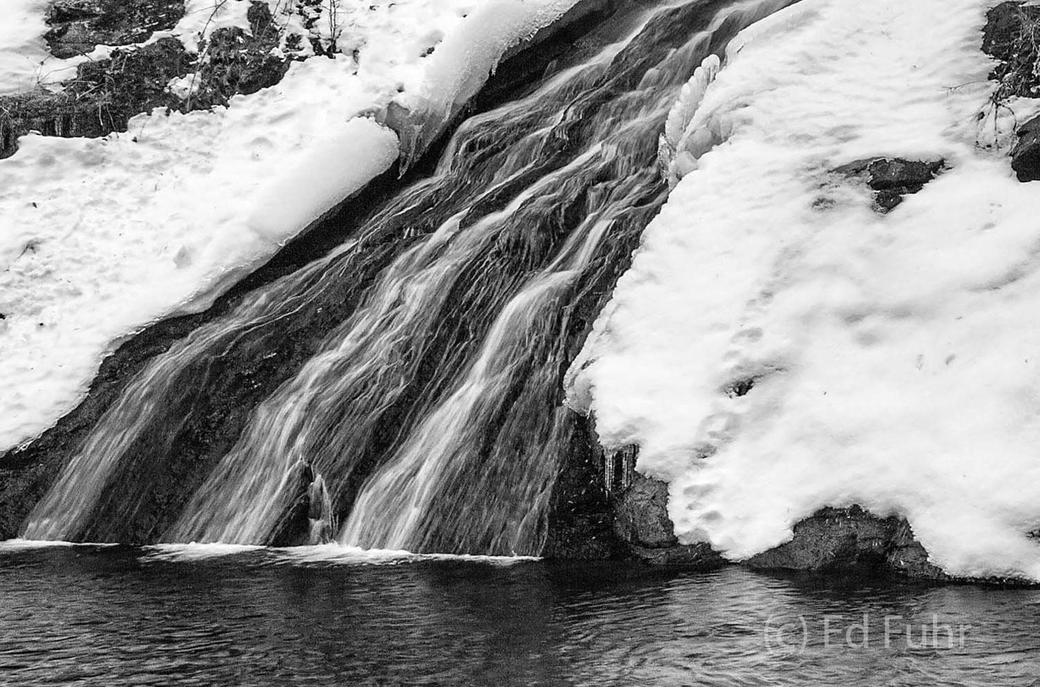 Shenandoah, Shenandoah National Park, photo, photography, images, mountains, wilderness, Virginia, waterfall, Skyline Drive, road, winter, snow, photo