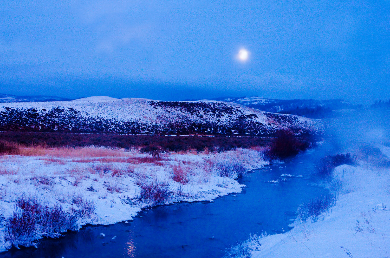 blue moon, gros ventre river, tetons, photo