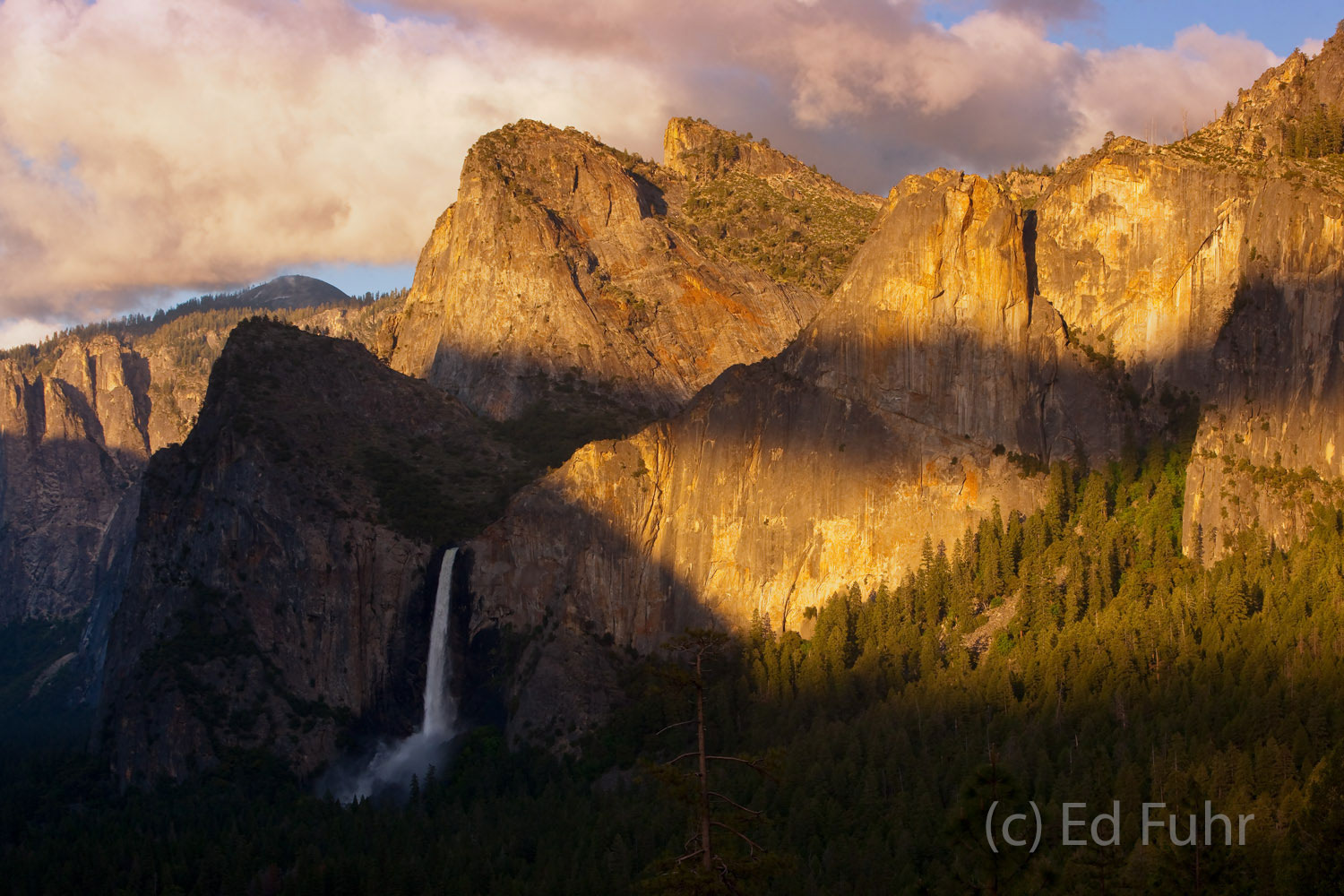 The tunnel view into the Yosemite Valley at sunset offers one of the spectacular vistas in our national park system.