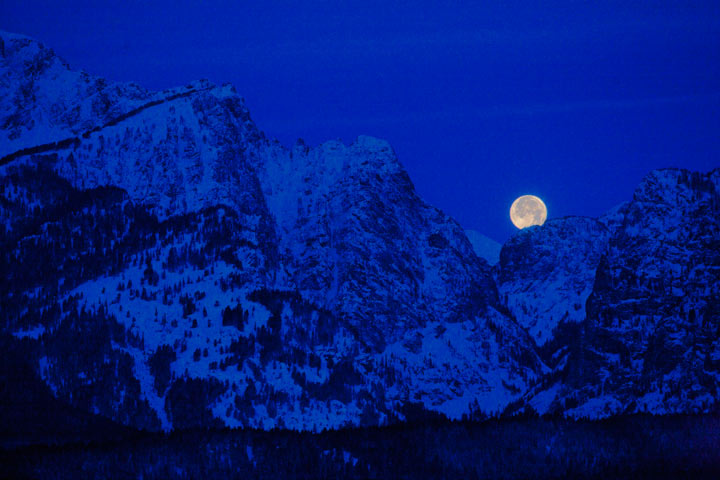 landscape, montains, lunar eclipse, moon, tetons, winter, snow, photo, photography, photo